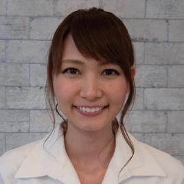 小林(歯科助手/受付)